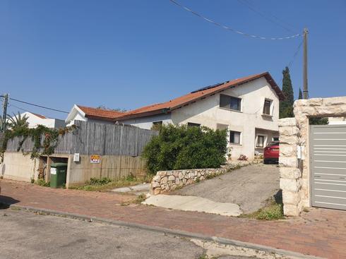 הבית בו גדל בשכונת מזרחי