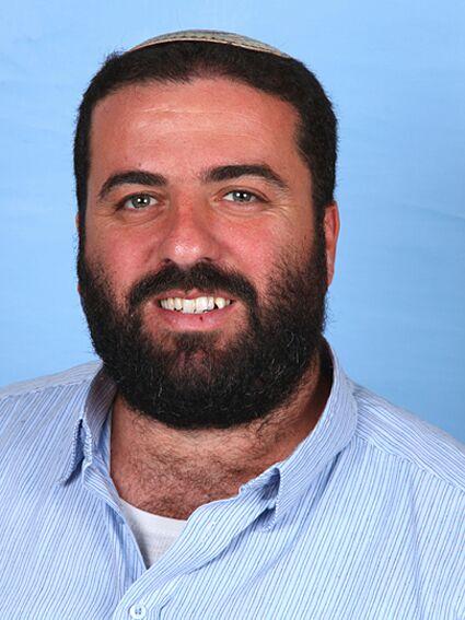 """שמעון ארבל, מנכ""""ל אולפנת אמנה כפר סבא"""