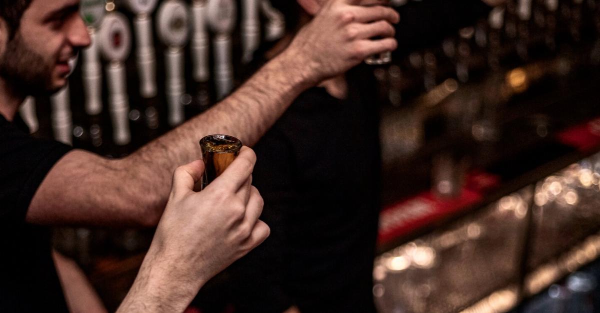 בר 55 -  שליש בירה במתנה