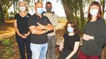"""חברי עמותת """"אזרחים למען אוויר נקי"""". שלום צארום (במרכז), נעם ביבי ונעמי טמיר"""