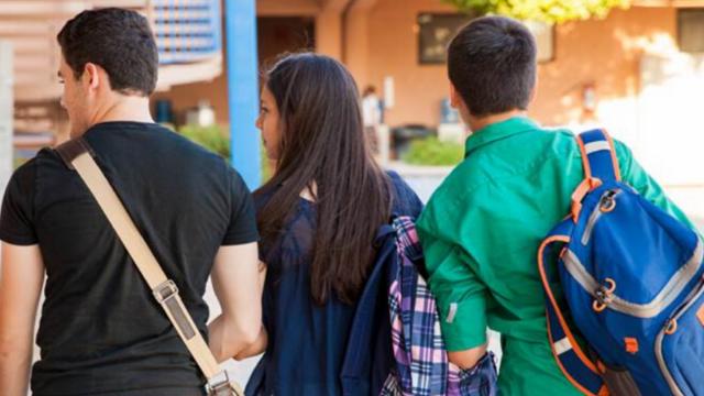 תלמידי החטיבות חוזרים ללימודים