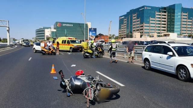 תאונת אופנוע בצומת רעננה