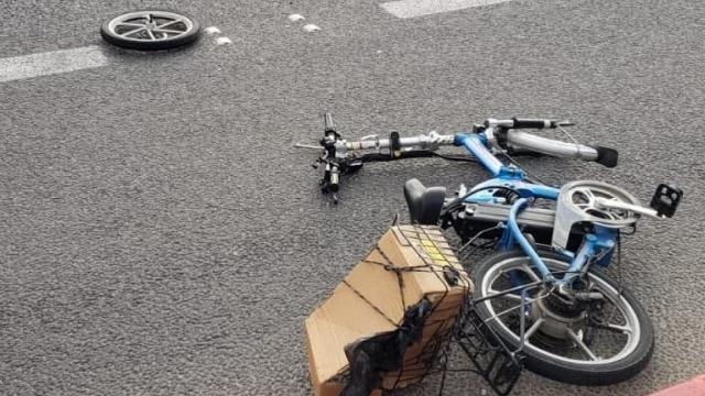 תאונת דרכים עם רוכב אפניים חשמליים