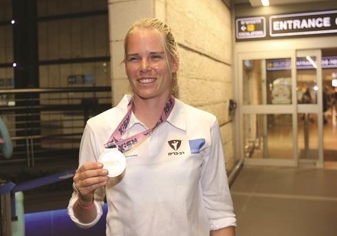 קטי ספיצ'קוב, אחרי שתי מדליות כסף באליפות אירופה, חייבת לחזור עם מדליה
