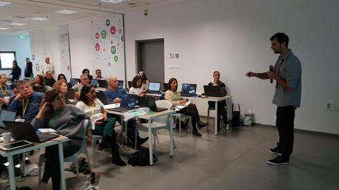 בעלי עסקים רבים מכפר סבא והסביבה השתתפו בכנס גוגל (צילום: איתמר רותם)