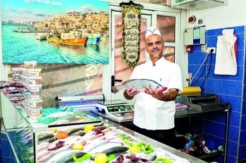 מטגנים ומגישים | צילום: יואב דודקביץ'