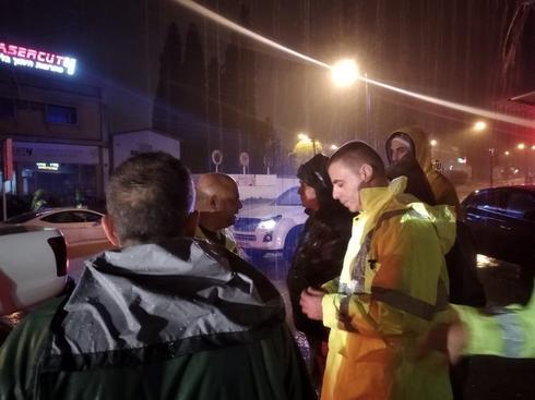 רפי סער מתדרך עובדי עירייה אמש | צילום: עיריית כפר סבא