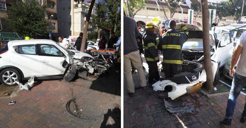 הרכב שאיבד שליטה ברחוב ויצמן - הנהג יצא בזול | צילומים: פיני אלט