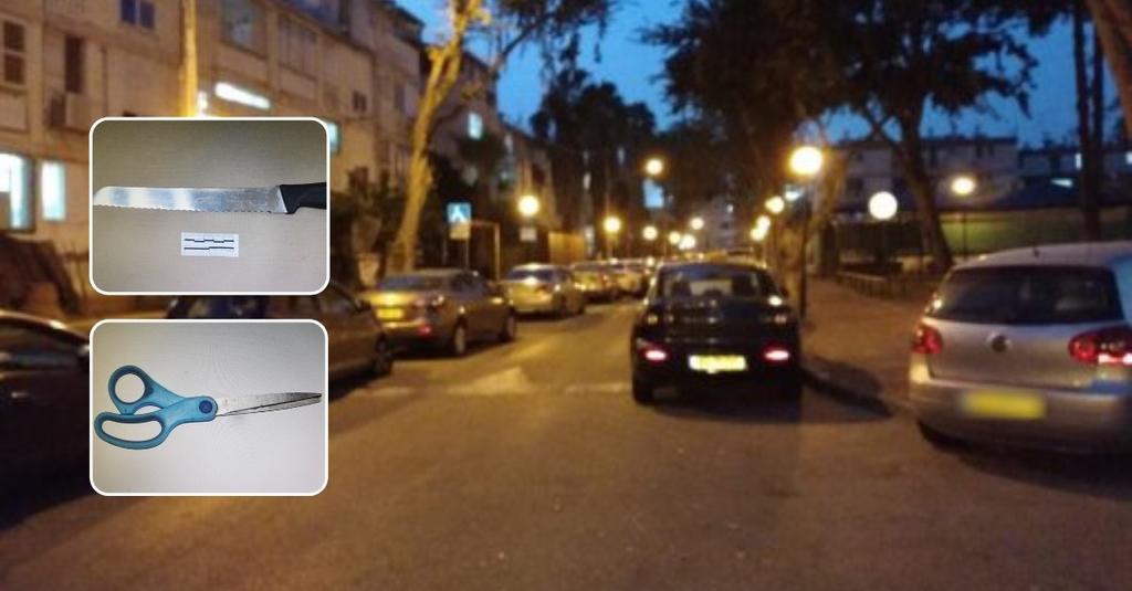 רחוב יהודה המכבי בכפר סבא והכלים ששימשו לתקיפה | צילום: אריאל ימיני, דוברות המשטרה