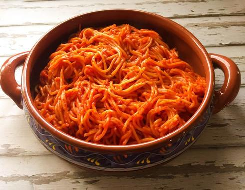 פסטה מבושלת ברוטב עגבניות. צילום: אלונה זוהר