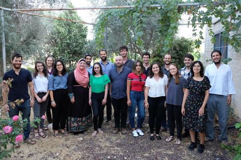 האורחים והמארחים באבו גוש   צילום: יואב דודקביץ'
